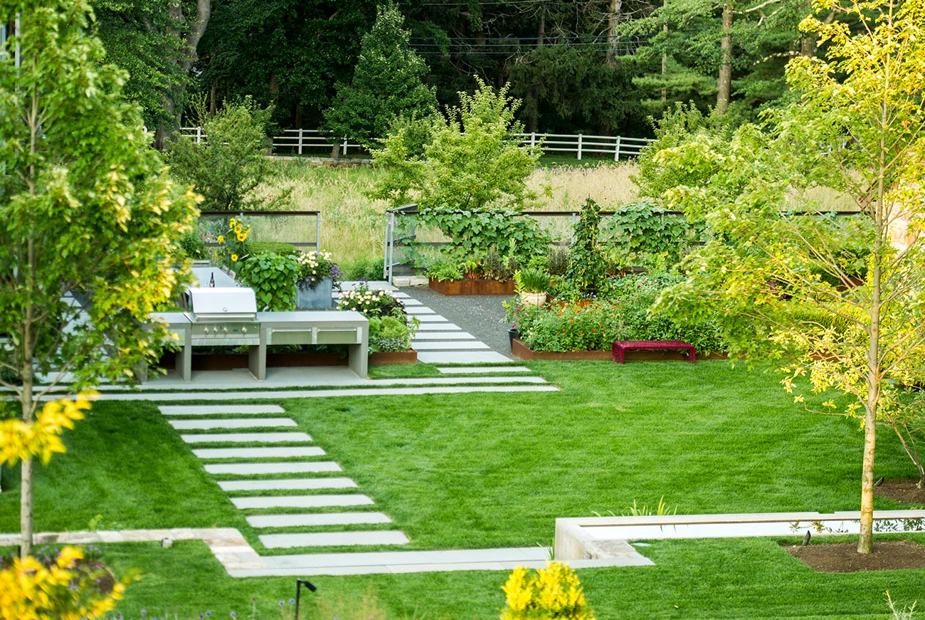 The LaurelRock Company - Residential Landscaping in Wilton CT - High Meadow Farm - Outdoor Kitchen and Living