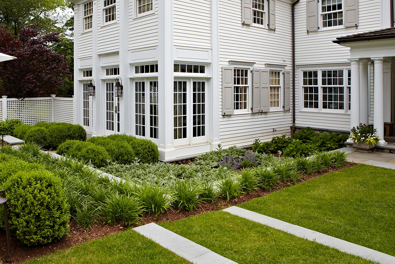 The LaurelRock Company - Residential Landscaping in CT - Hollow Tree Ridge - Garden Landscaping