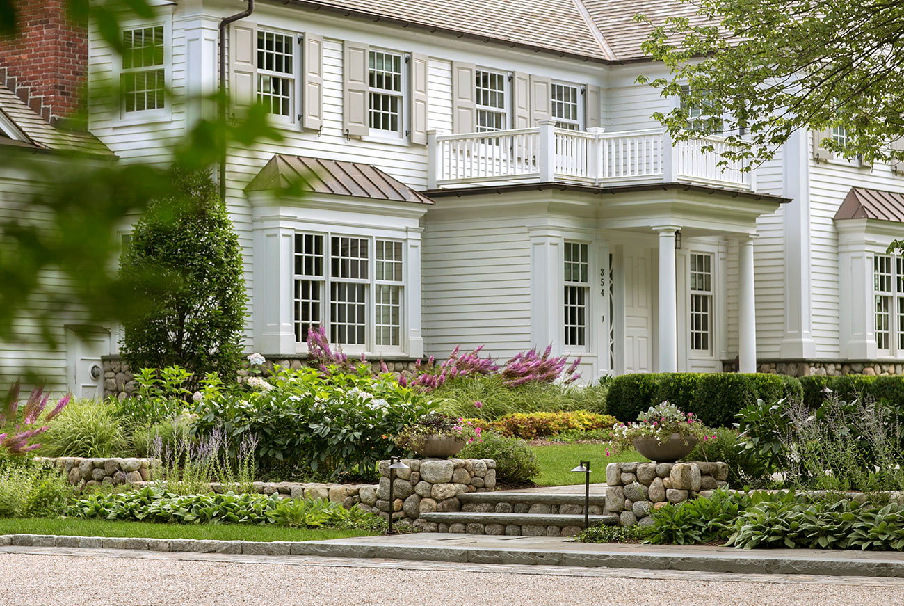 The LaurelRock Company - Residential Landscaping in CT - Hollow Tree Ridge - Front Yard Detail