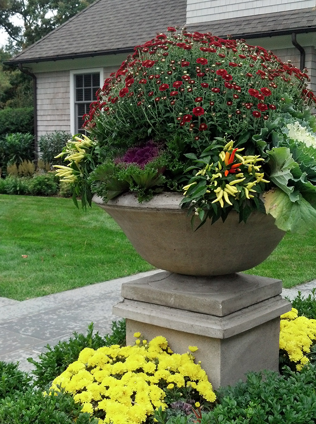 The LaurelRock Company - Residential Landscaping in CT - Sunset Ridge - Planters
